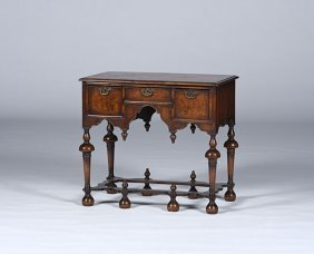 William And Mary-style Dressing Table