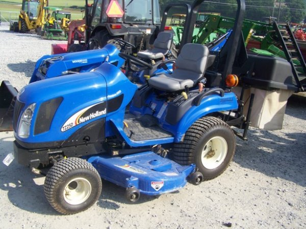 1336 new holland tz25da 4x4 lawn and garden tractor lot 1336