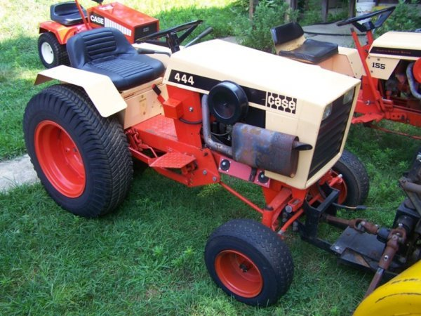 Case Lawn Mowers : Case lawn garden tractor very nice lot