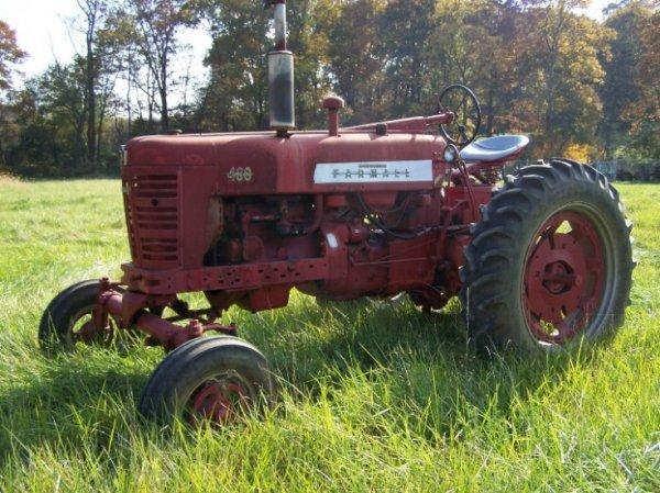 Farmall H Wide : Farmall wide front antique farm tractor lot