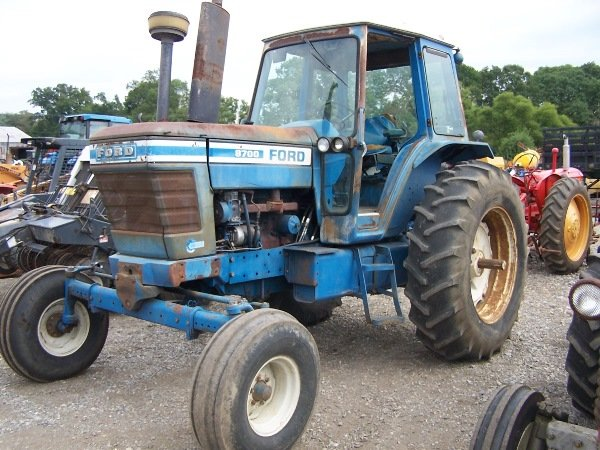 Ford 8700 Tractor : Ford tractor cab and air lot
