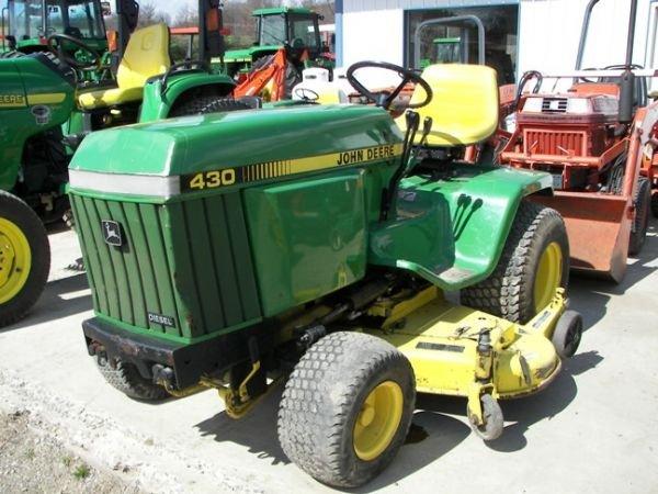 556 Nice John Deere 430 Lawn And Garden Tractor Lot 556