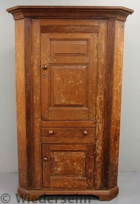 Pine One-piece Corner Cupboard, Early 19th C., Wi