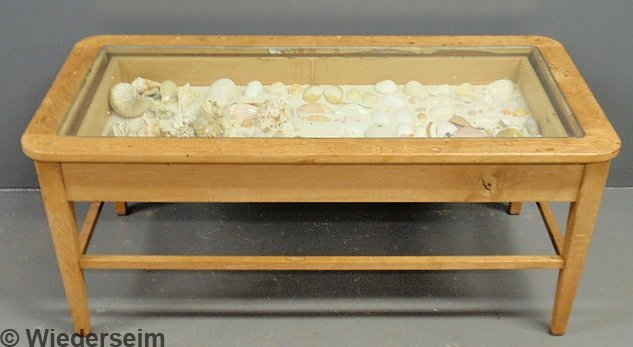 33 Blonde Wood Curio Cased Coffee Table With Seashell Lot 33