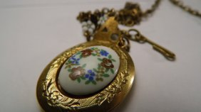 Victorian Hand Painted Porcelain Gold Filled Locket