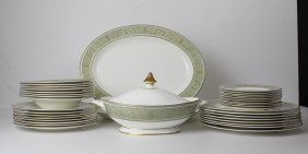 A Royal Doulton English Renaissance Pattern Dinner
