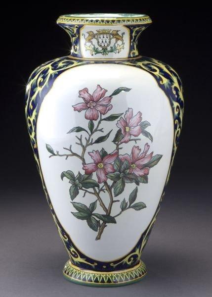 henriot quimper decor riche vase lot 9