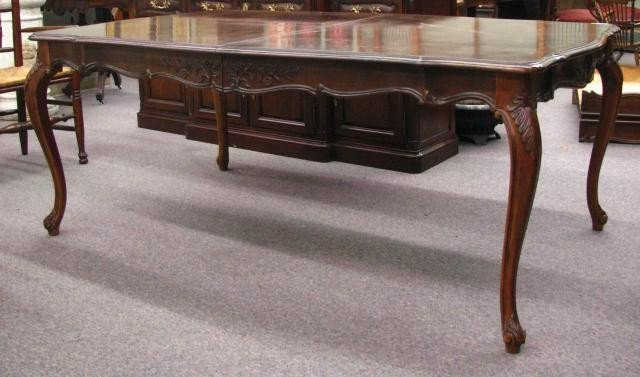 321 white furniture co country french dining table lot 321 for Furniture 321