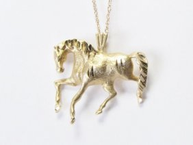 14k Yellow Gold Trotting Horse Pendant And Chain
