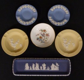 Six Vintage Wedgwood Misc Porcelain Items