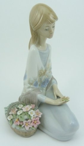 "Lladro #7607 ""flower Song"" 1988 Retired Statue"