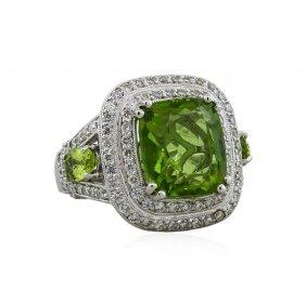 14kt White Gold 8.67ct Peridot And Diamond Ring