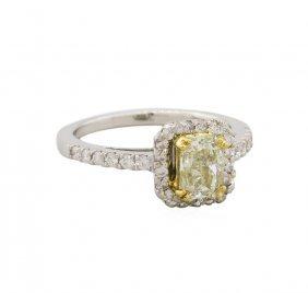 14kt Two-tone Gold 1.47ctw Fancy Light Yellow Diamond