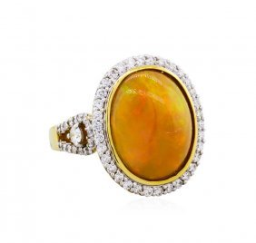 18kt Yellow Gold 7.87ct Opal And Diamond Ring