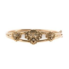 A Victorian Lion Head Bangle Bracelet In Gold