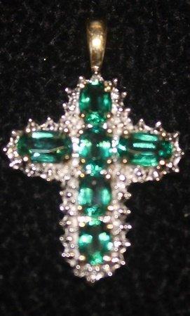 Fancy 14 Kt Emerald With Diamonds Cross Pendant