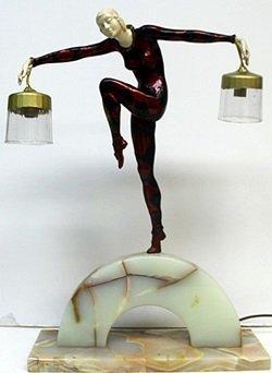Bronze Sculpture With Lamp - D.h. Chiparus