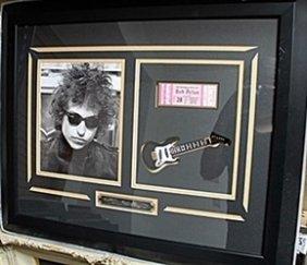 Signed Bob Dylan Photograph & Concert Ticket Ar5753