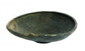 Grand Plat Ou Assiette En Argile Noir, Age Du Bronze,