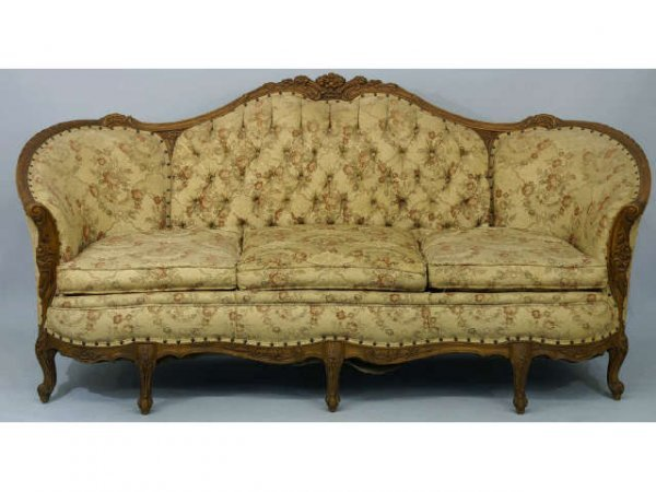 16 French Victorian sofa with a camelback Lot 16 : 44936061l from liveauctioneers.com size 600 x 450 jpeg 44kB