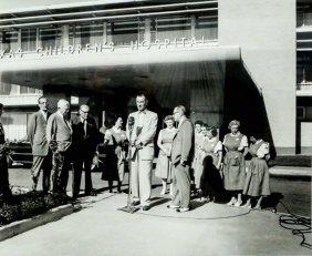 "Bailey Bob ""lbj At Tx Child Hosp"" Vintage Photo"