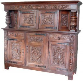 LARGE GRIFFIN CABINET WITH SHIELD MOTIF 14511