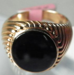 14K YELLOW GOLD AND ONYX RIN IN SIZE:10  1624
