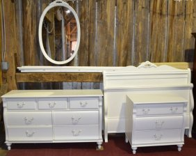Stanley Furniture White Painted Br Suite: Double Bed,