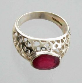 APP: 3k Sebastian 3CT  Oval Cut Ruby & Silver Ring