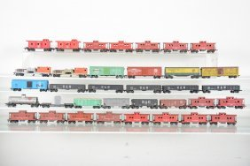 35 Late American Flyer Ho Freight Cars