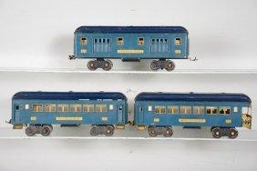 Lionel 310 Series Passenger Cars, T-tone Blue
