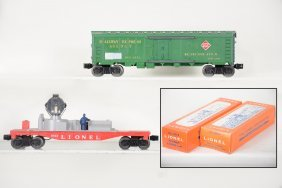 Mint Boxed Lionel 6572 & 6822 Freight Cars
