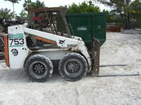 2001 Bobcat 753 W/Bucket