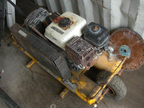 Vintage Campbell Hausfeld Air Compressor : A campbell hausfeld yellow compressor lot