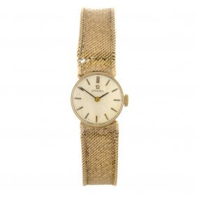 (84715) A 9ct Gold Manual Wind Lady's Omega Bracele