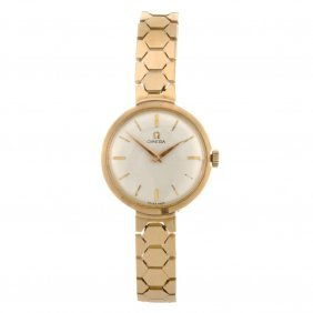 (811005237) An 18k Gold Manual Wind Lady's Omega Br
