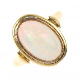 An Opal Single-stone Ring.