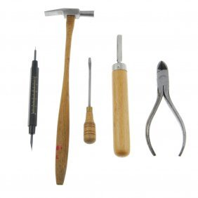 A Quantity Of Screw Plates And Assorted Tools.