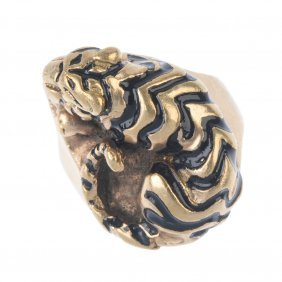 A 9ct Gold Novelty Ring. Designed As A Sleeping Tiger,