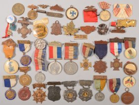 Lot Of  Medals, Badges, And Buttons: Mostly Militar