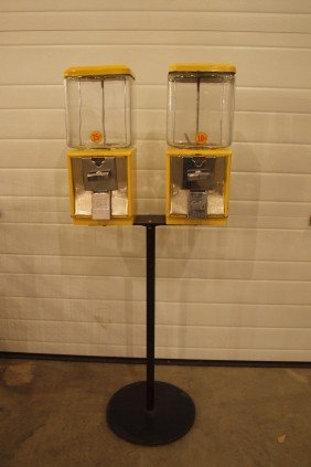 154 Curtis 10 Cent And 25 Cent Gumball Peanut Machines Lot 154