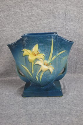 Roseville Blue Zephyr Lily Pillow Vase, 206-7""