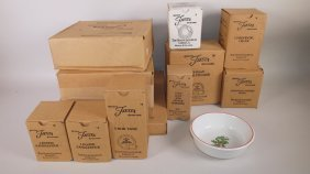 """Fiesta Post 86 White """"holiday"""" Lot Of 11 Pieces:"""