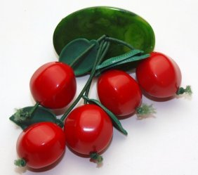 Bakelite Cherry Brooch With 5 Hanging Cherries