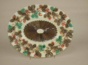 "Wedgwood Argenta Majolica Strawberry Platter, 13"""