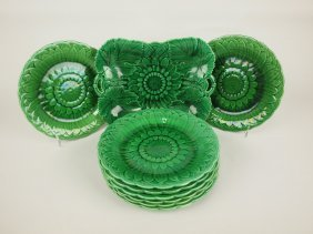 Wedgwood Dark Green Majolica Sunflower Dessert Set With