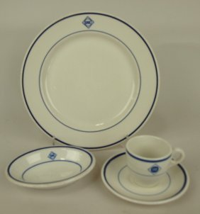"""Railroad Dining China, Erie: 9 3/4"""" Plate, 5 1/4"""" Oval"""