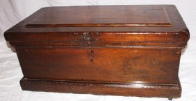 Wooden Primitive Tool Chest With Insert