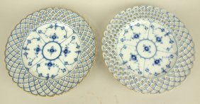 "Danmark Pair ""blue Onion"" Reticulated 9"" Plates"