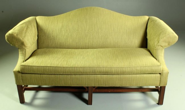 Ethan Allen Chippendale Style sofa Lot 26 : 224332271l from liveauctioneers.com size 650 x 386 jpeg 38kB